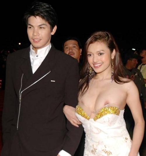 タイの美人女優 Tawngrak Assawarat レッドカーペットでおっぱいポロリ画像 6