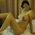 中国の美人巨乳風俗嬢のヌード&オナニー画像
