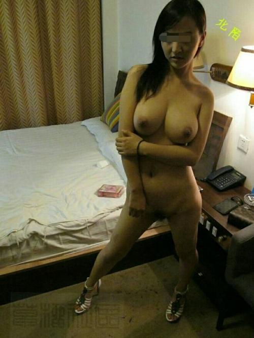 中国の美人巨乳風俗嬢のヌード&オナニー画像 3
