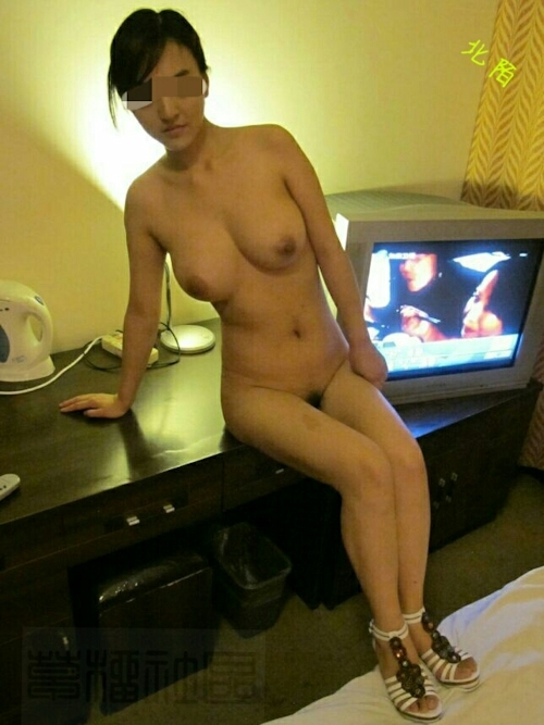 中国の美人巨乳風俗嬢のヌード&オナニー画像 4