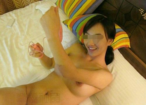 中国の美人巨乳風俗嬢のヌード&オナニー画像 11