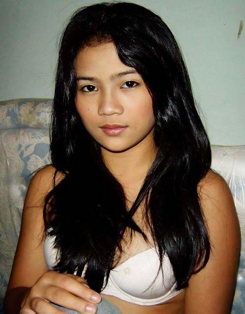 インドネシアの黒髪美女 Ririn セクシーヌード画像 1