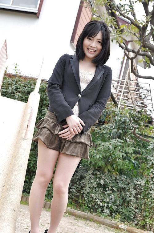 微乳&パイパンな日本の素人美女 早野麗花 ヌード画像 1