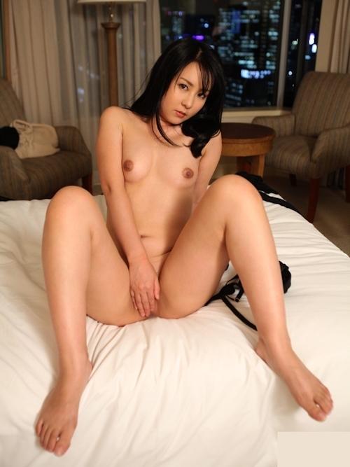 美女のM字開脚ヌード画像 10