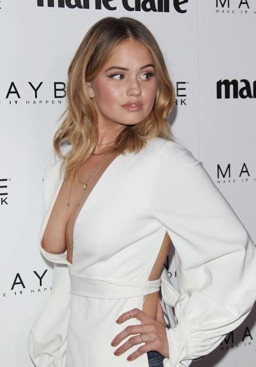 アメリカの女優&歌手 Debby Ryan(デビー・ライアン) ノーブラ胸チラ乳輪見え画像 5