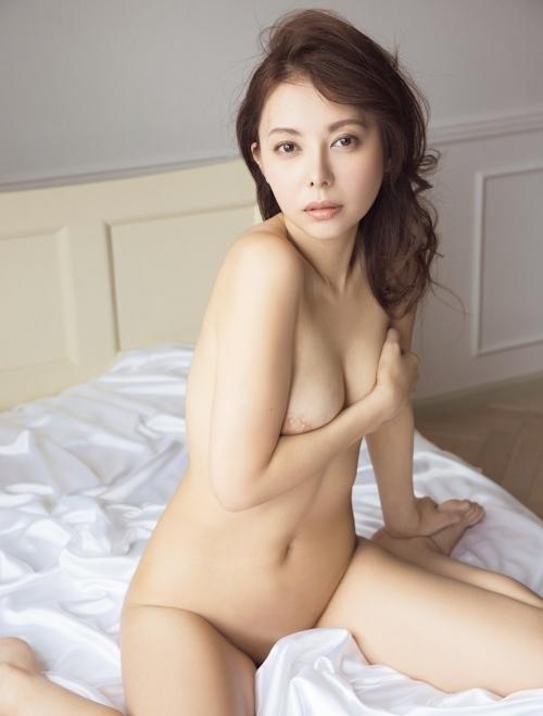 不倫騒動の女優 濱松恵 セクシーヌードグラビア 3