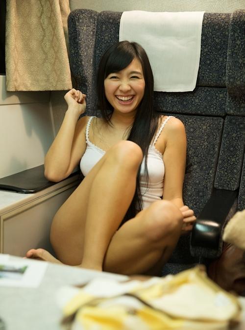 小倉奈々 セクシーヌード画像 2