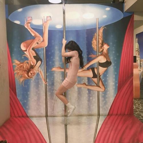 韓国の女の子が性愛美術館(Love Museum)で撮影したユニークなエロ画像 12