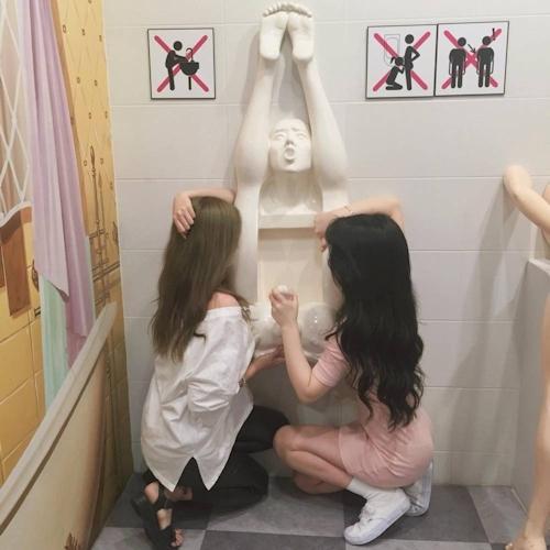 韓国の女の子が性愛美術館(Love Museum)で撮影したユニークなエロ画像 16