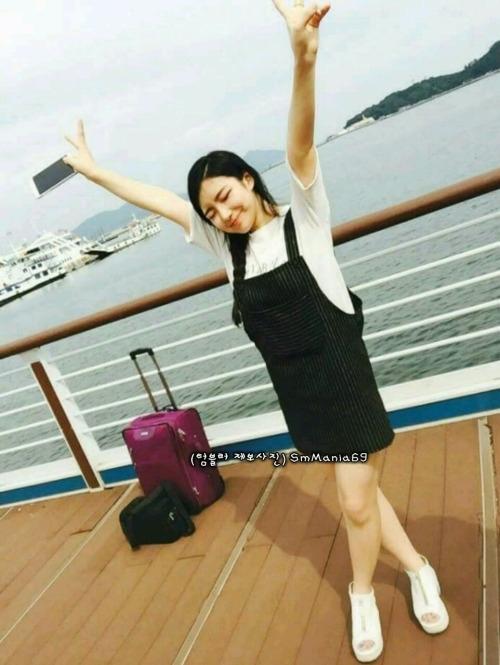 巨乳な韓国の素人美女の自分撮りヌード画像 2