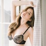 韓国美女モデル Jin Hee セクシーランジェリー画像