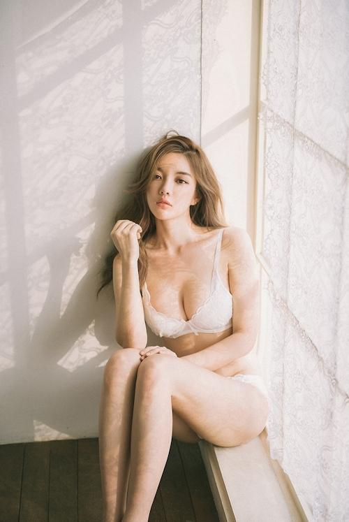 韓国美女モデル Jin Hee セクシーランジェリー画像 11