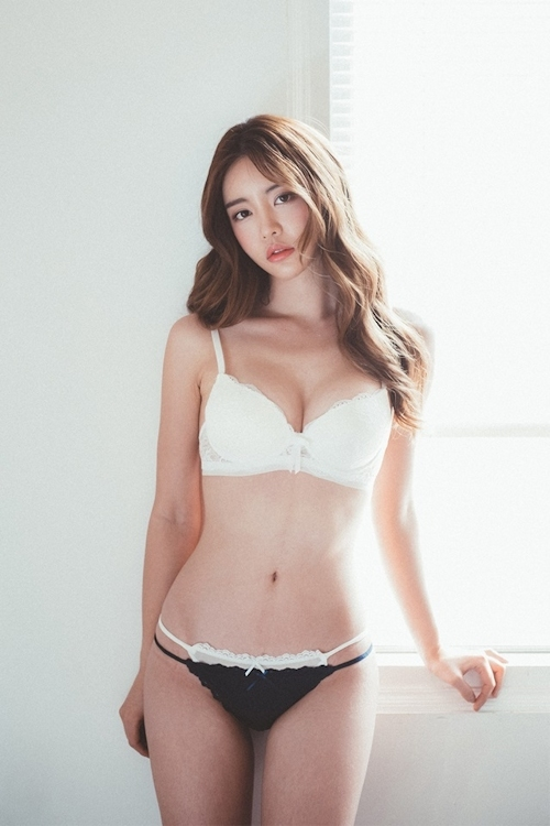 韓国美女モデル Jin Hee セクシーランジェリー画像 12