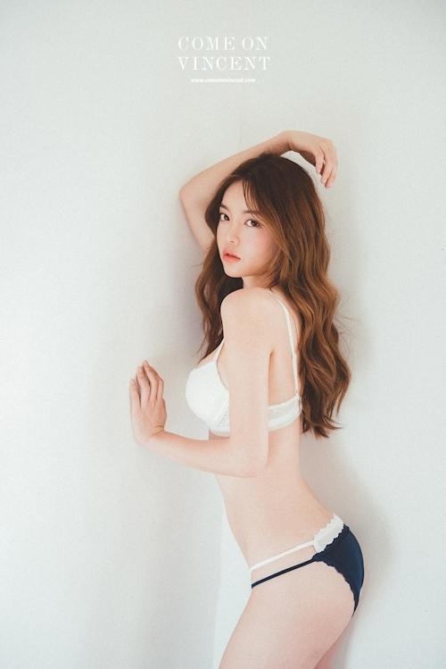 韓国美女モデル Jin Hee セクシーランジェリー画像 14