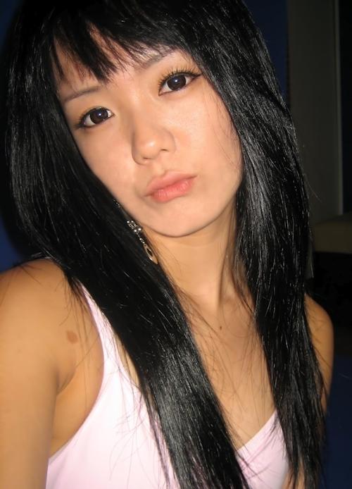 微乳な韓国の素人美少女の自分撮りヌード流出画像 1