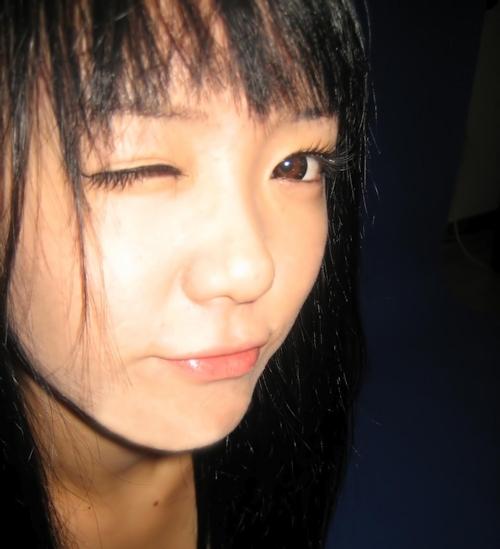微乳な韓国の素人美少女の自分撮りヌード流出画像 13