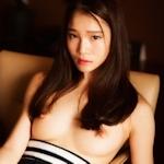 美乳な中国美女のトップレス画像