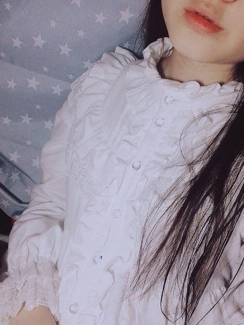 巨乳な中国少女の自分撮りおっぱい画像 6