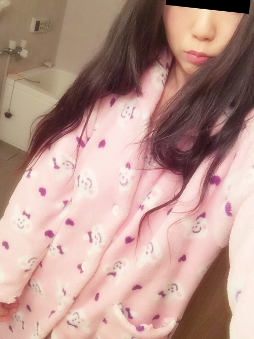 日本の素人美女の自分撮りおっぱい画像 2