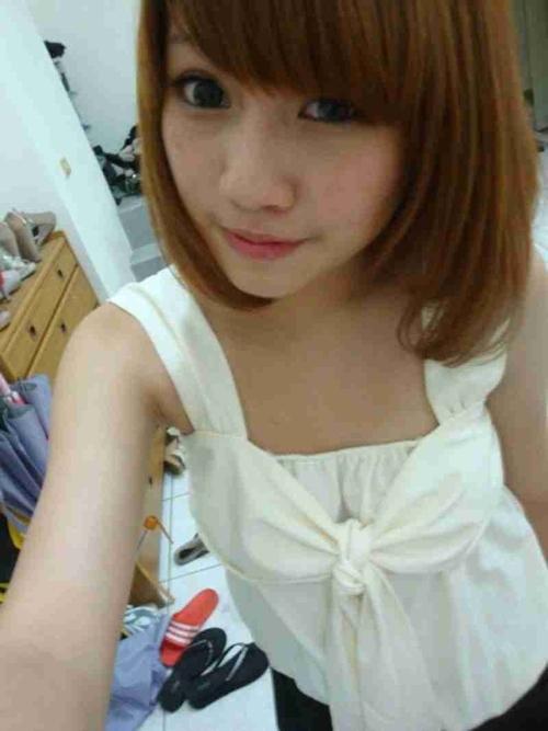 台湾の極上美少女の自分撮りヌード流出画像 1