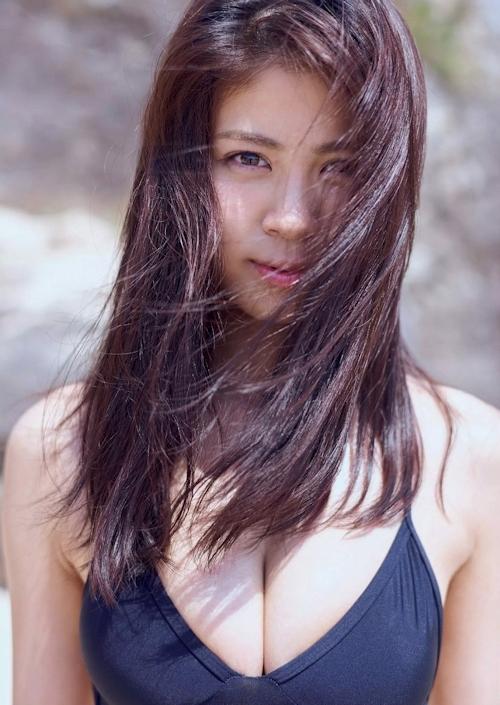 澤北るな セクシーグラビア画像 5