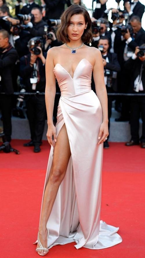 Bella Hadid(ベラ・ハディッド)がカンヌでセクシードレス&パンチラ  3