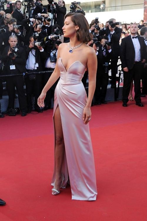 Bella Hadid(ベラ・ハディッド)がカンヌでセクシードレス&パンチラ  11