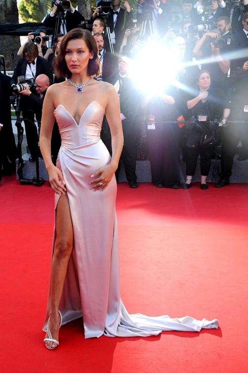 Bella Hadid(ベラ・ハディッド)がカンヌでセクシードレス&パンチラ  12