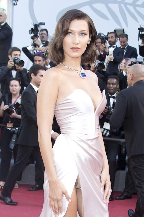 Bella Hadid(ベラ・ハディッド)がカンヌでセクシードレス&パンチラ  14