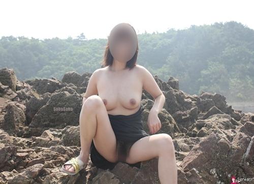 韓国素人女性の野外露出ヌード画像 2