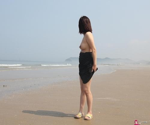 韓国素人女性の野外露出ヌード画像 5