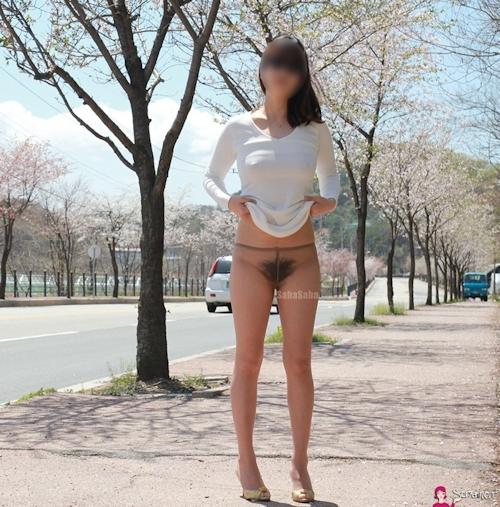 韓国素人女性の野外露出ヌード画像 25