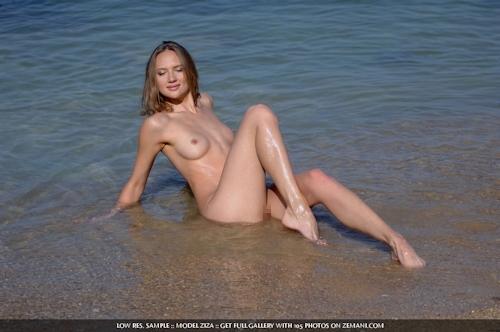 ウクライナ美女 Ziza セクシーヌード画像 10