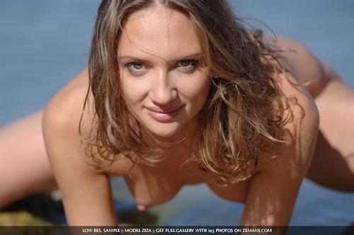 ウクライナ美女 Ziza セクシーヌード画像 12