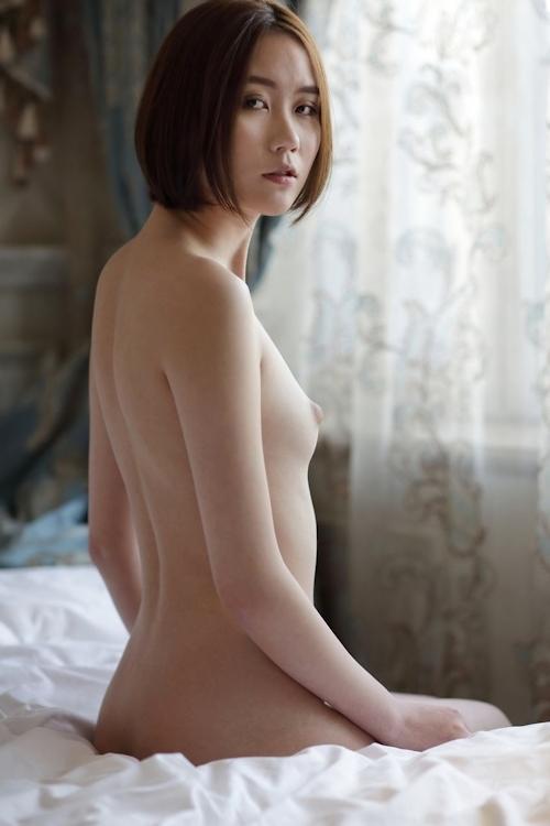 中国のスレンダー微乳な極上美女モデル 伊丽莎白(エリザベス) セクシーヌード画像 18