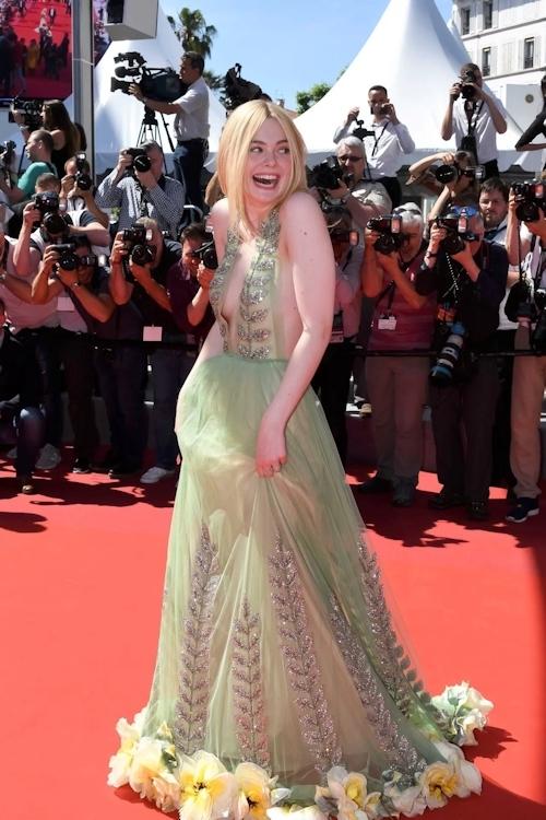 アメリカ女優 Elle Fanning(エル・ファニング)がセクシードレスで横チチ露出 11