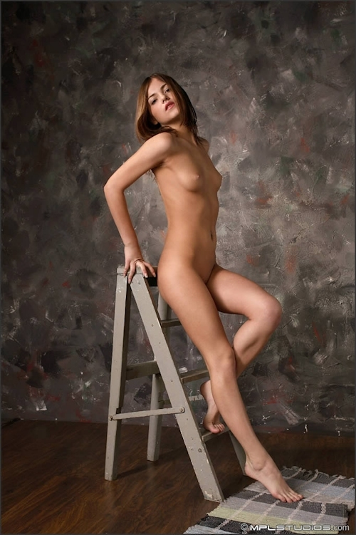 ロシア美少女 Lara セクシーヌード画像 1