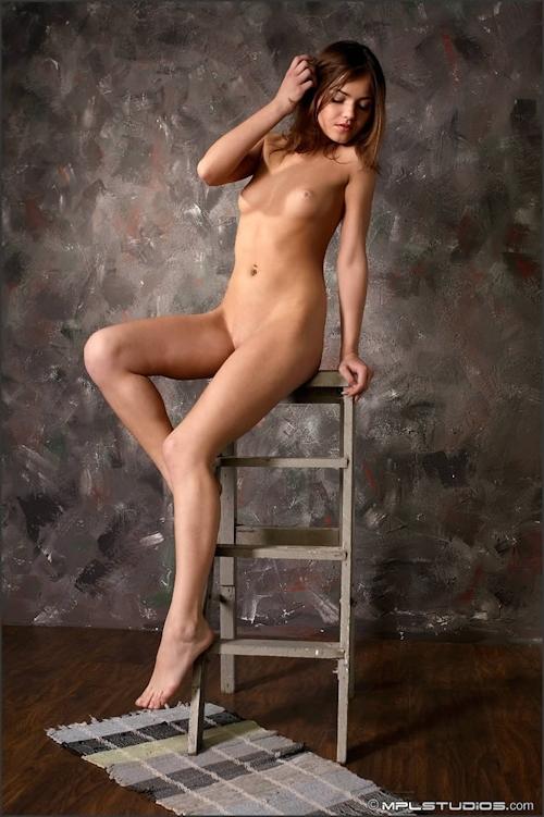 ロシア美少女 Lara セクシーヌード画像 4