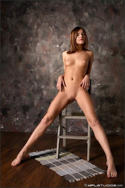 ロシア美少女 Lara セクシーヌード画像 5