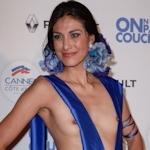 女優 Abigail Lopez(アビゲイル・ロペス)がカンヌ映画祭でモロ乳首出しドレス