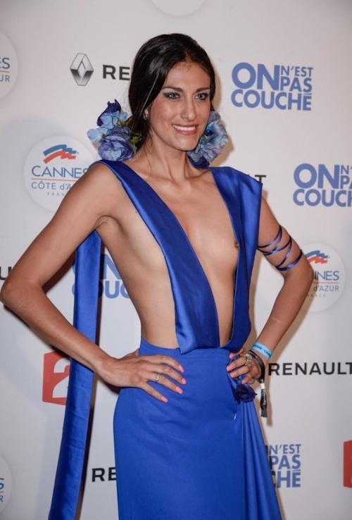 女優 Abigail Lopez(アビゲイル・ロペス)がカンヌ映画祭でモロ乳首出しドレス 3