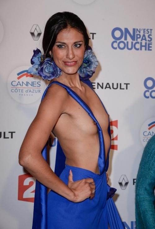 女優 Abigail Lopez(アビゲイル・ロペス)がカンヌ映画祭でモロ乳首出しドレス 4