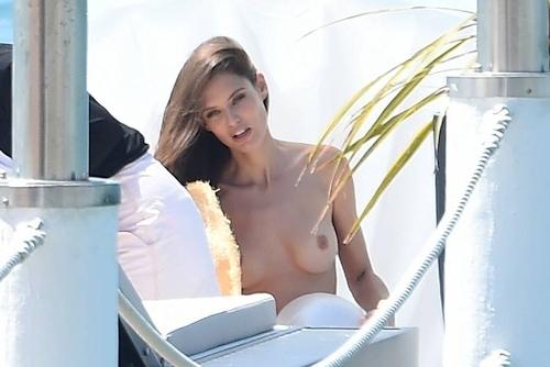 イタリアモデル Bianca Balti(ビアンカ・バルティ)のパパラッチされたトップレス画像 11