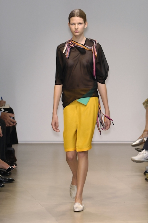ファッションショーで乳首が透けてる&見えてるモデルのセクシー画像 8