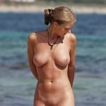 ヌーディストビーチにいた美女のヌード画像特集6