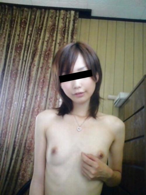 スレンダーな日本の極上素人美女の自分撮りヌード画像 4