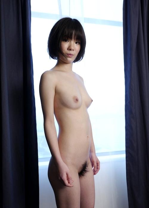 スレンダー美乳な19歳女子大生のヌード画像 6