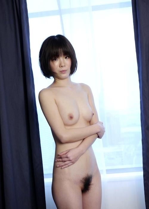 スレンダー美乳な19歳女子大生のヌード画像 7