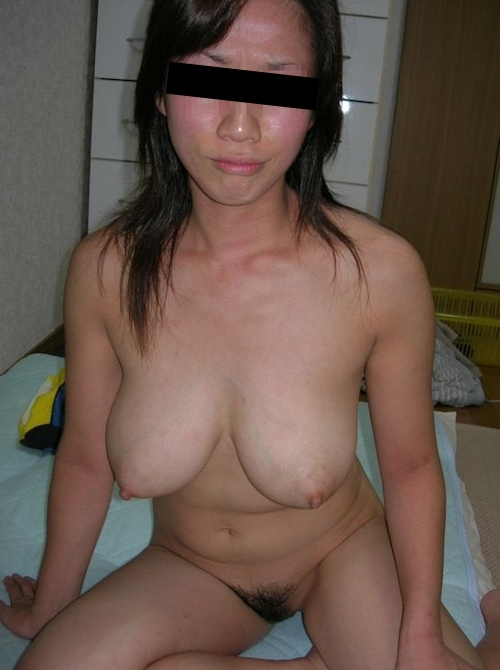 巨乳な人妻の風呂上りヌード画像 4
