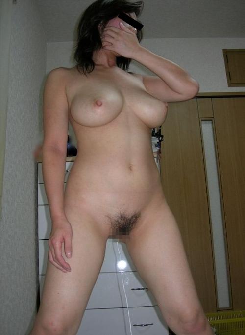 巨乳な人妻の風呂上りヌード画像 5